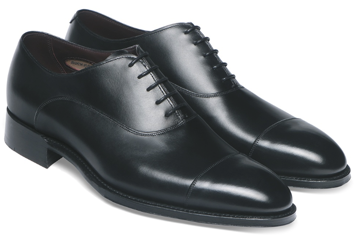 oxford shoes, timeless shoes every man should own, types of shoes for men