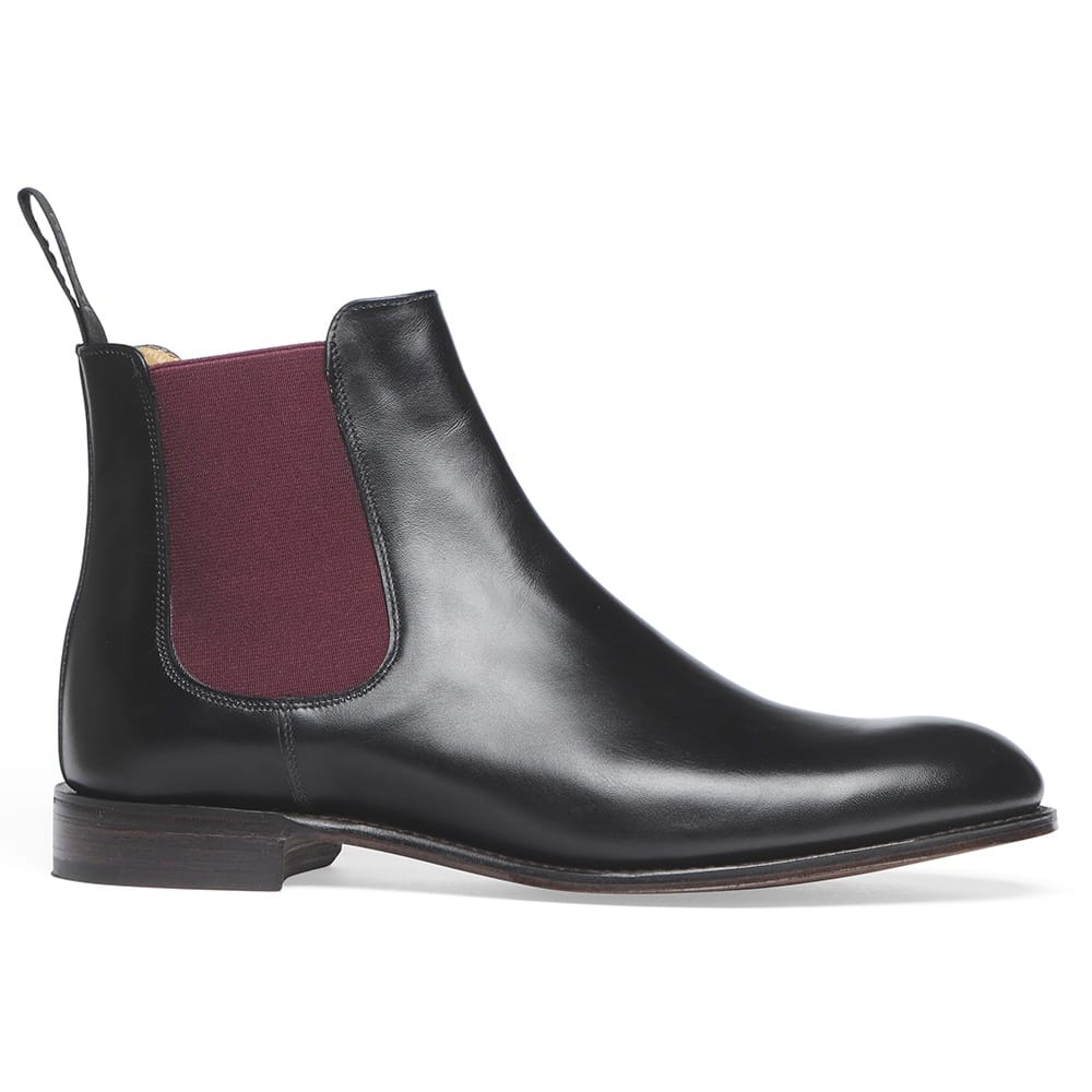 Step up your shoe game with New Look's line of women's Chelsea boots, including heeled and flat Chelsea boots in black, brown and tan. Free delivery available.