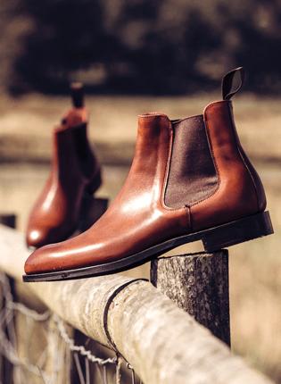 Godfrey D Chelsea Boot in Dark Leaf | Shop Now