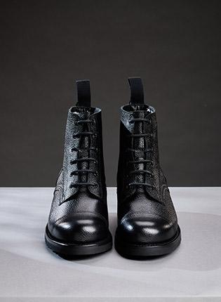Hurricane GL Military Ankle Boots in Black Grain